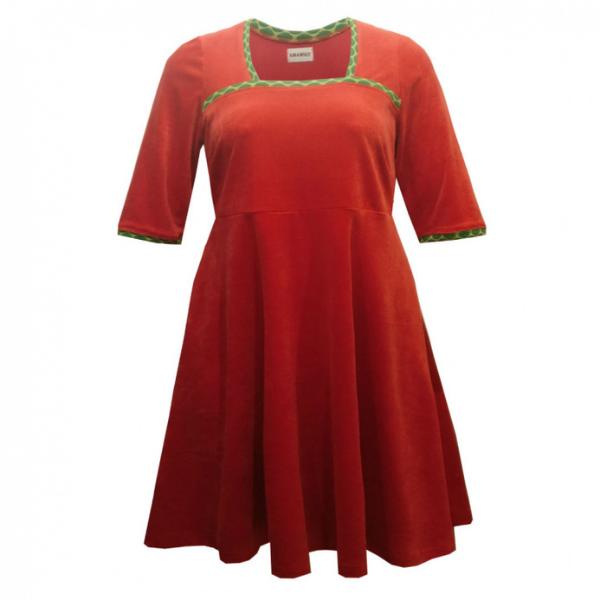 rød kjole i store størrelser