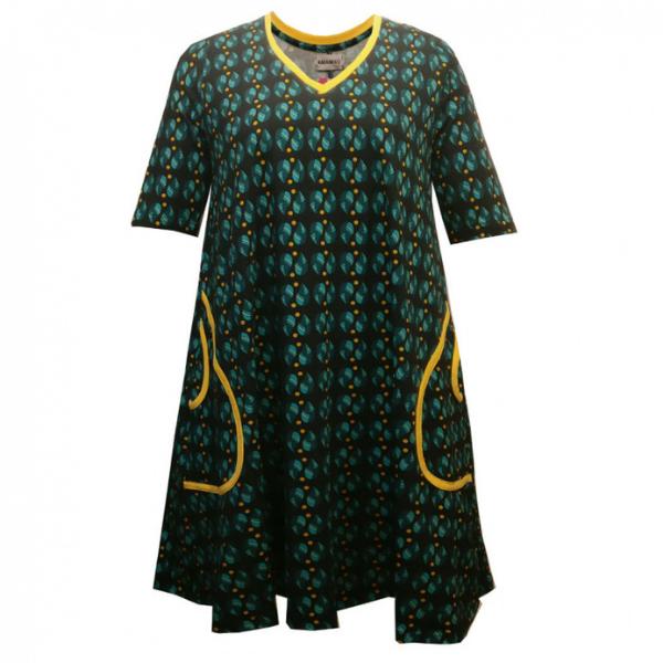 grøn kjole i stor størrelse
